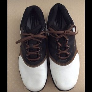 Nike Men's Golf Shoes. In good condition.